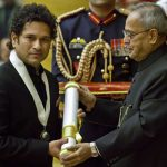 Sachin Tendulkar using Bharat Ratna to attract advertisement offers… he must voluntarily give it up!
